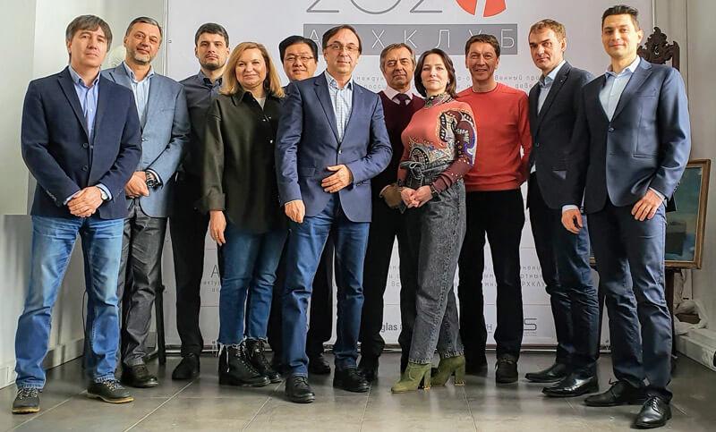 """Компания """"Интермикро"""" - член Ассоциации производителей средств визуальной рекламы и информации ВизКом"""